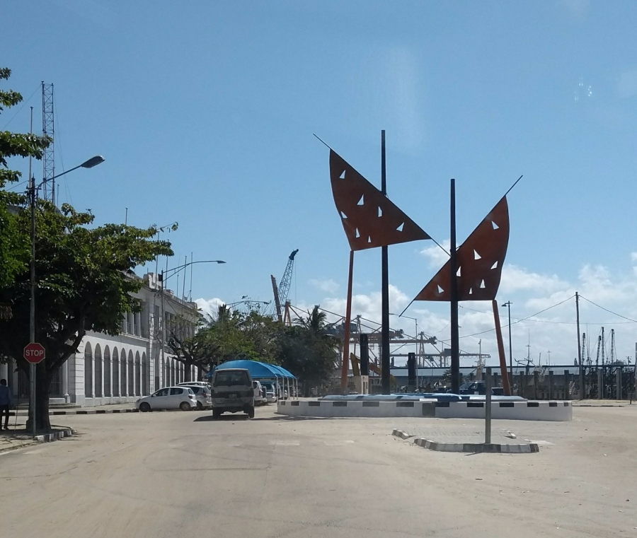 port statue